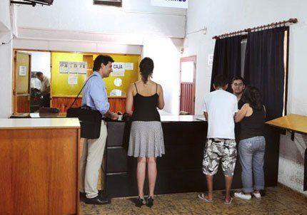 En Mendoza, hace dos meses que no se tramita el pasaporte