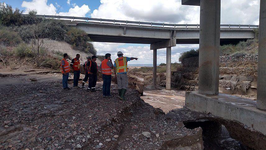 Evalúan los daños sobre los dos puentes de Luján afectados por las lluvias