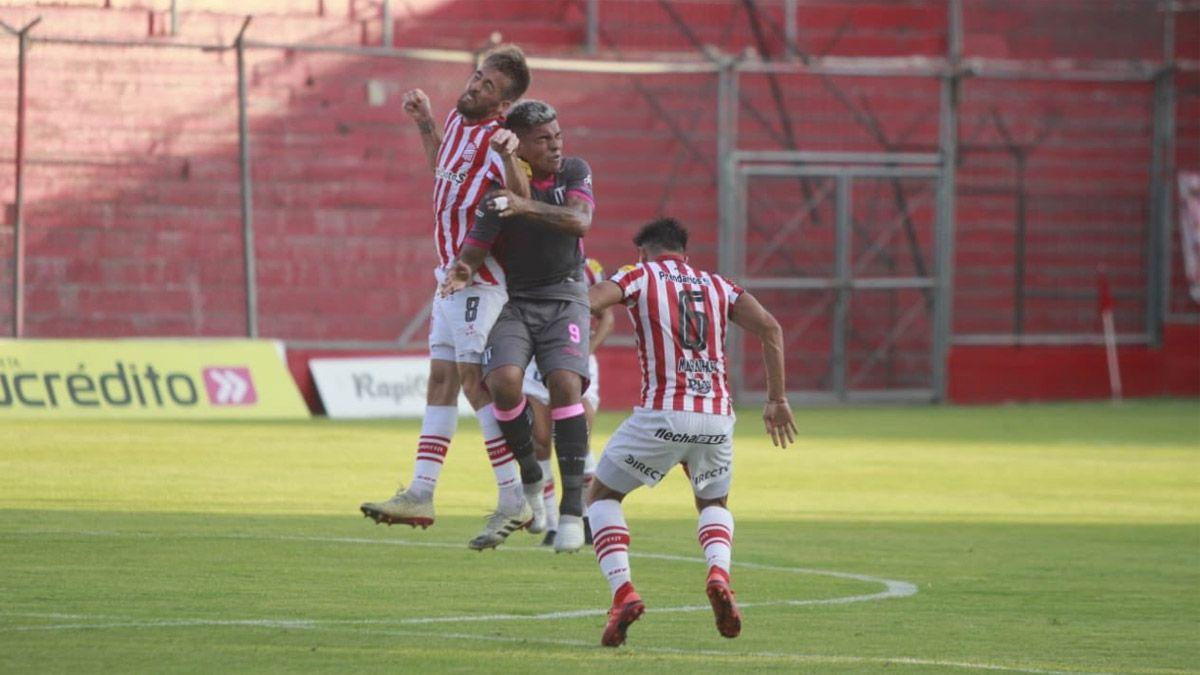 Gimnasia se trajo un buen empate de Tucumán