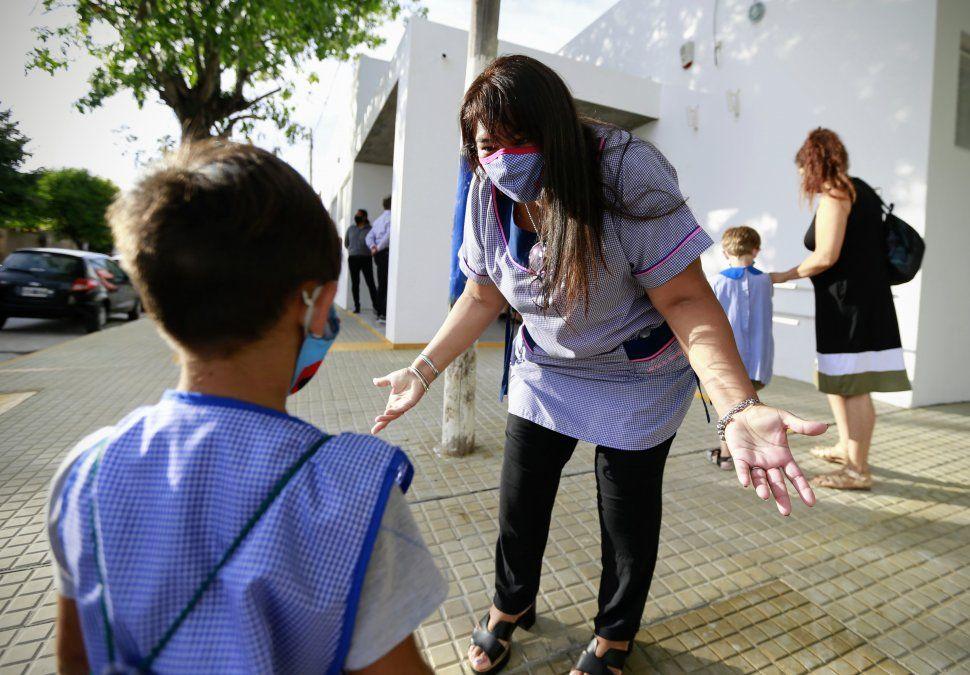 Coronavirus en Argentina. En el día del inicio de clases los casos nuevos no llegaron a 5 mil.