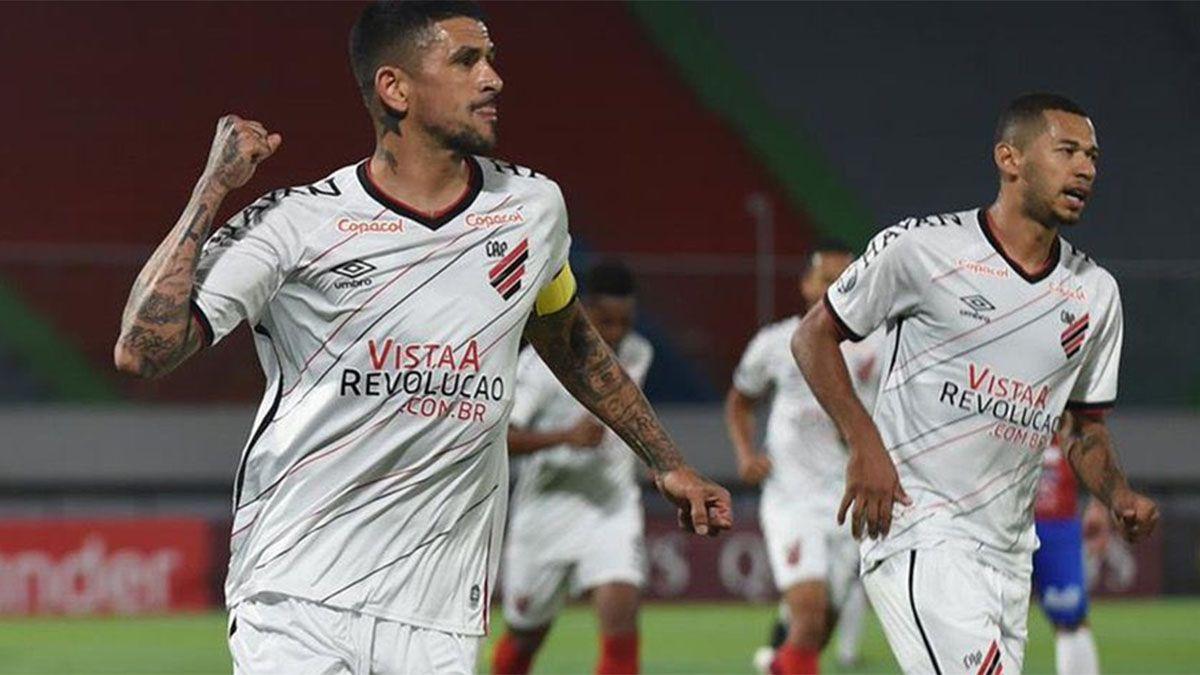 ¡Volvió la Copa Libertadores! Un gol argentino en el triunfo de Paranaense
