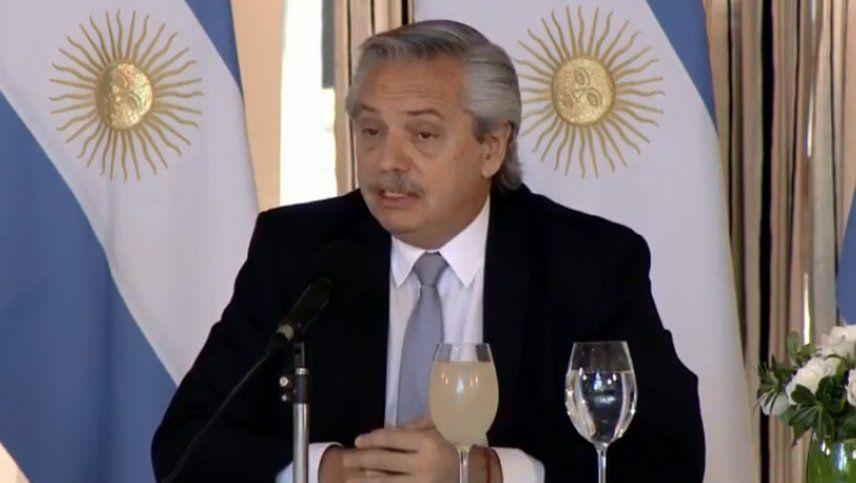 Coronavirus: el Presidente destacó la baja del ritmo de contagios pero advirtió que no hay que relajarse