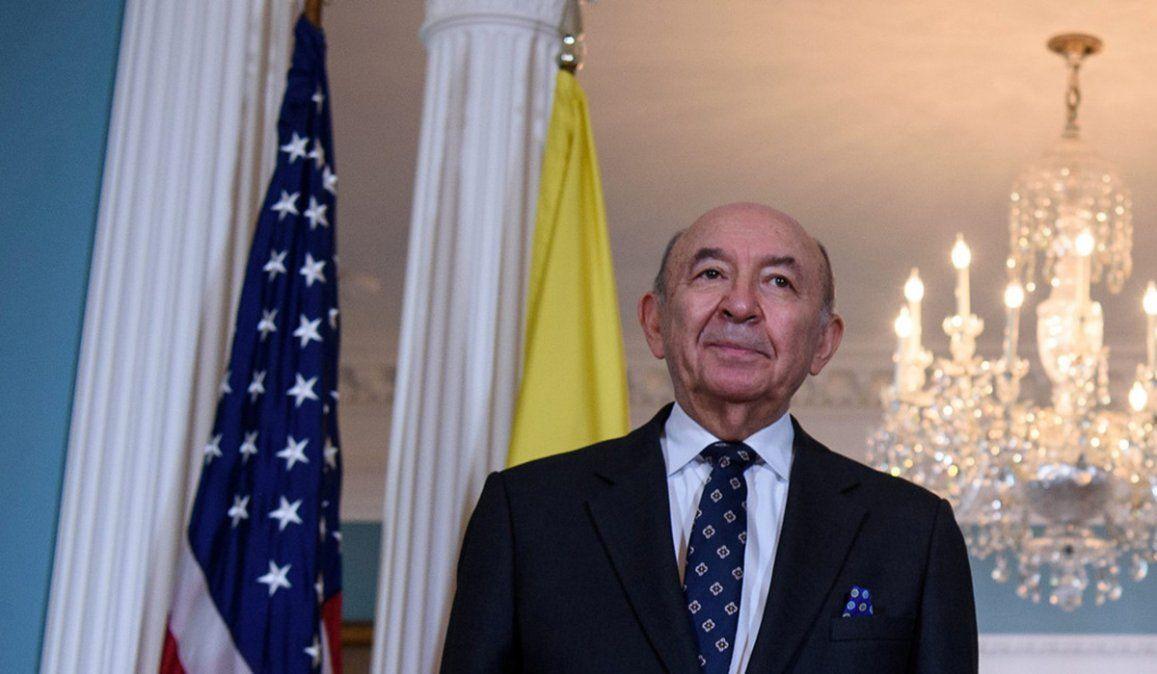 El canciller Luis Gallegos durante una visita a Estados Unidos. Gallegos renunció en las últimas horas tras el entredicho del gobierno de Ecuador con Artgentina por los dichos de Alberto Fernández