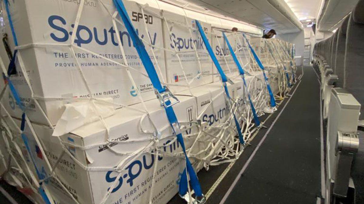 LLegaron este viernes 400.000 nuevas dosis dela vacuna rusa Sputnik V.