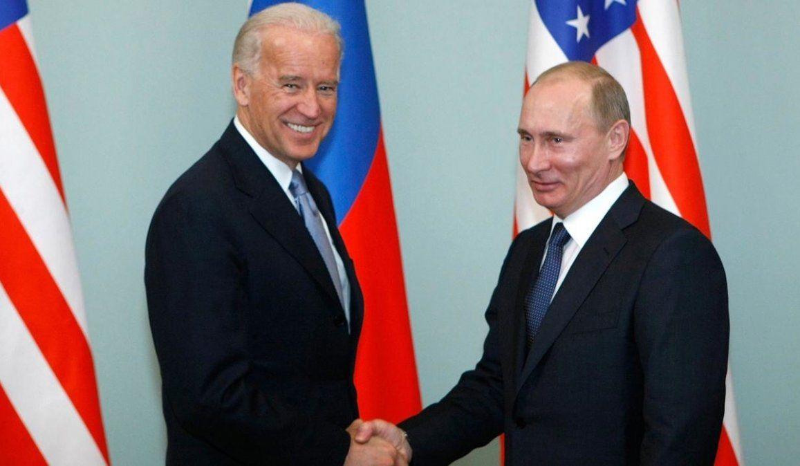 Biden ofreció reunirse con Putin en las próximas semanas