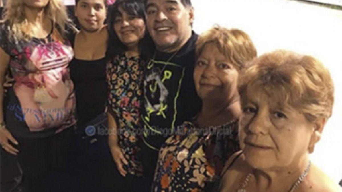 Afirman que la pelea entre las hermanas de Maradona y Claudia Villafañe comenzó por unas carteras Louis Vuitton