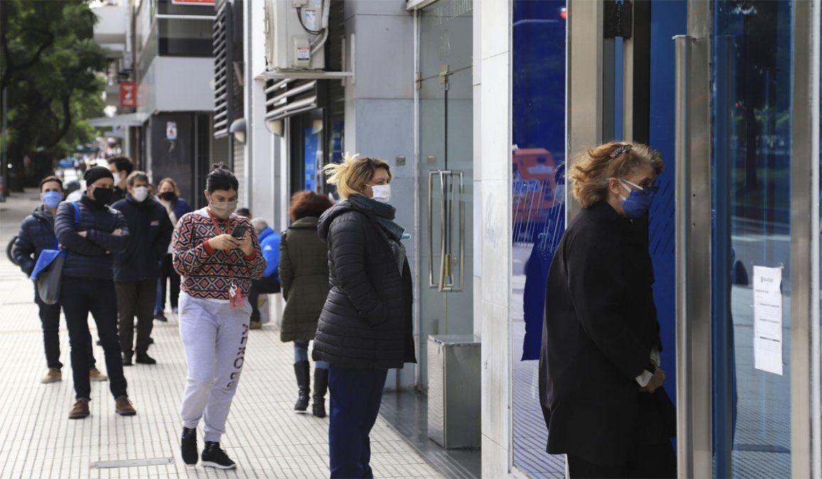 La Bancaria que conduce Sergio Palazzo anunció un paro de actividades en los bancos BBVA y Santander