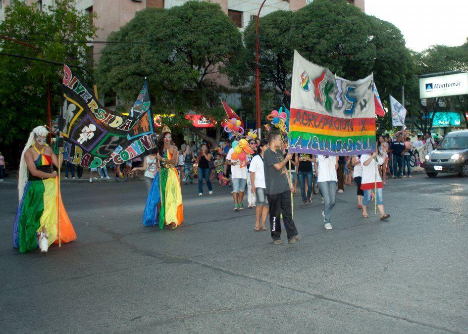 Sin disturbios se desarrolló la segunda marcha del orgullo y la diversidad