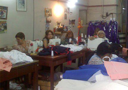 Se levantó el paro de costureras y utileros de la Vendimia