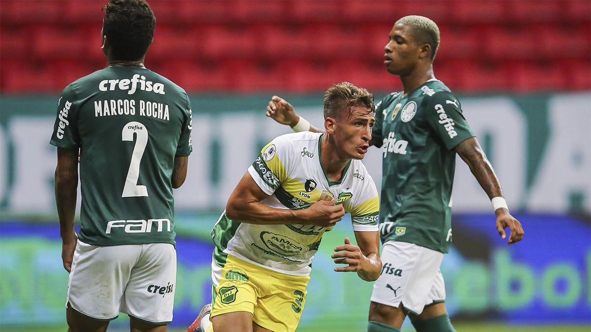 ¡Defensa heroico! Es campeón de la Recopa Sudamericana