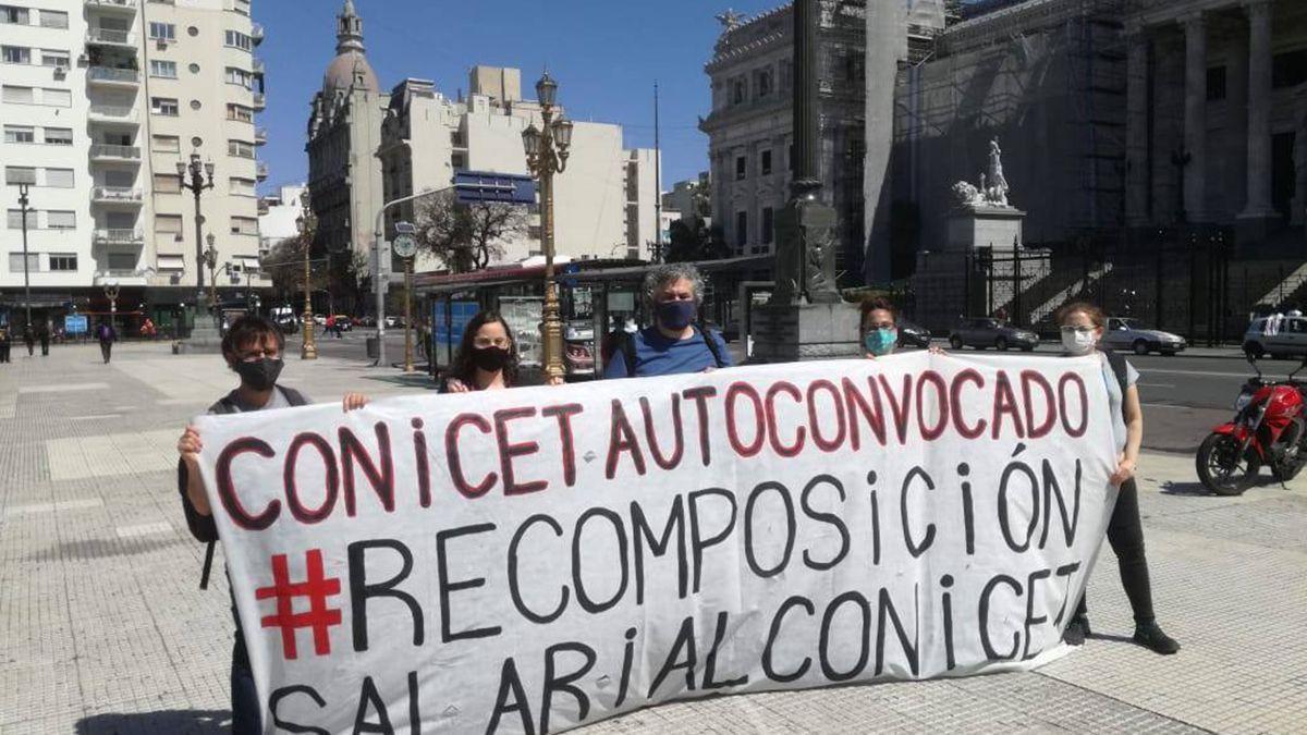 Integrantes del Conicet piden recomposición salarial.