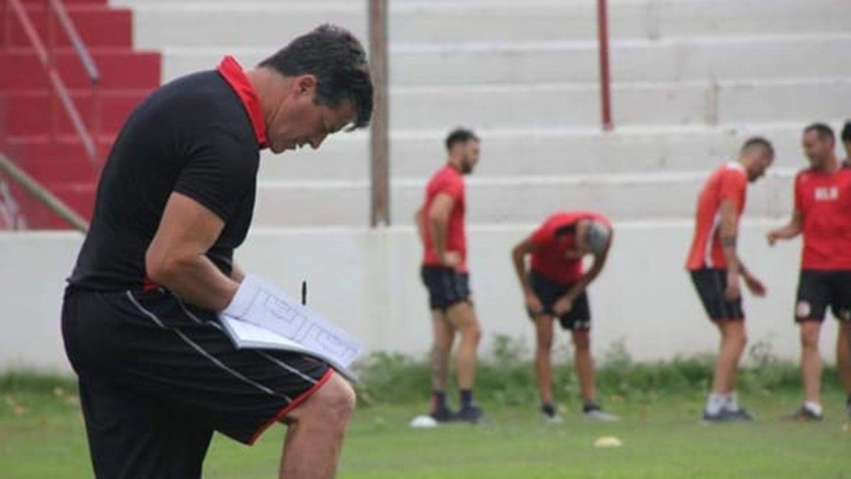 Pérez está haciendo sus primeras armas como ayudante de campo.