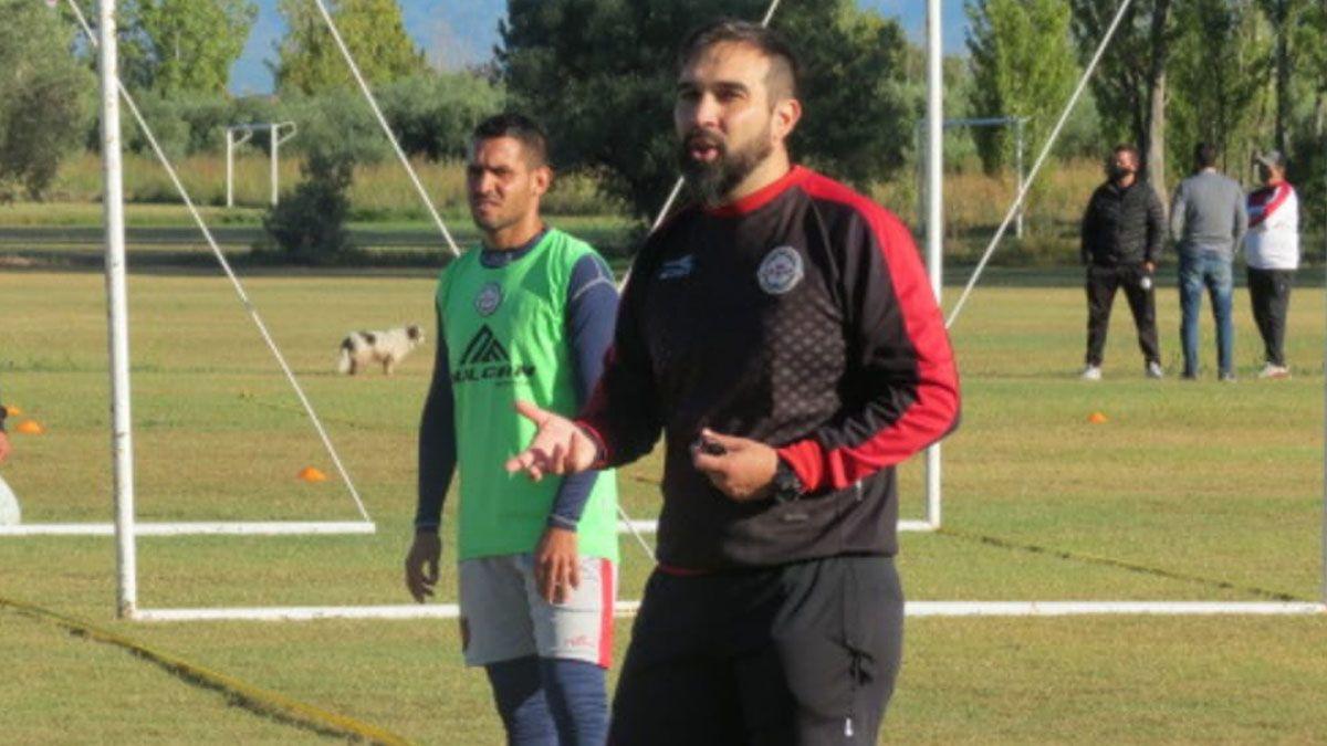 Alejandro Albornoz asumió en FADEP y dirigió su primera práctica.