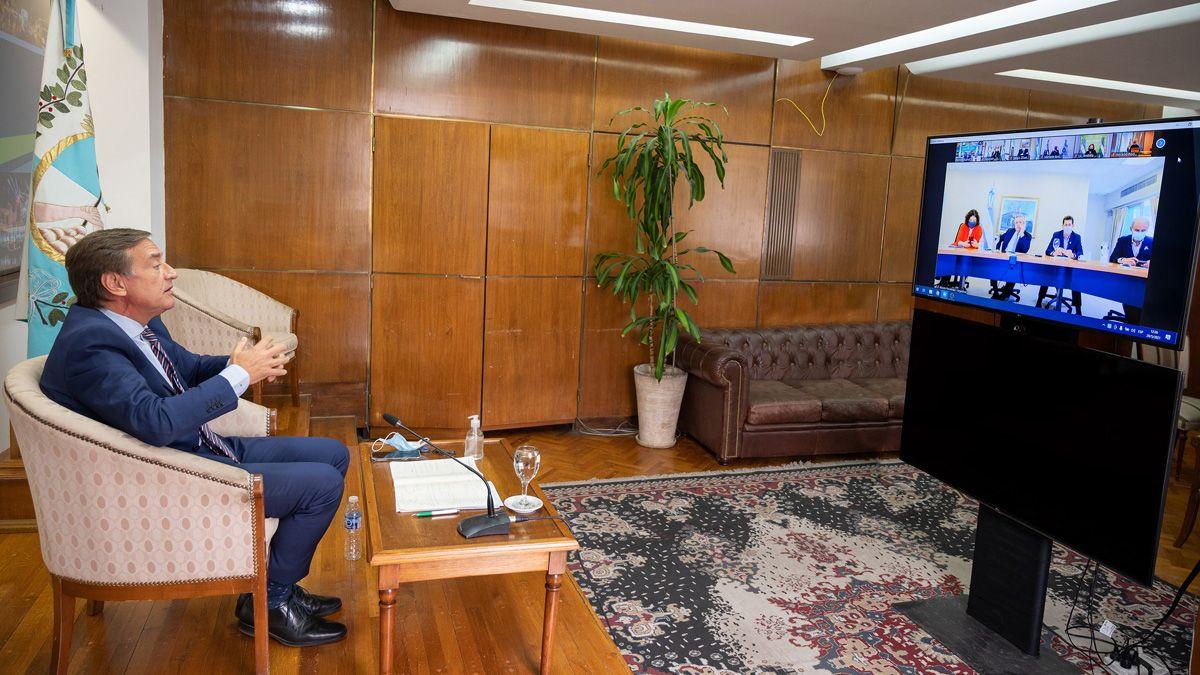 El gobernador Rodolfo Suarez acordó con el presidente aplicar un confinamiento de 9 días