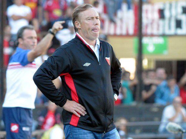 Roberto Sensini se acerca al Colo Colo