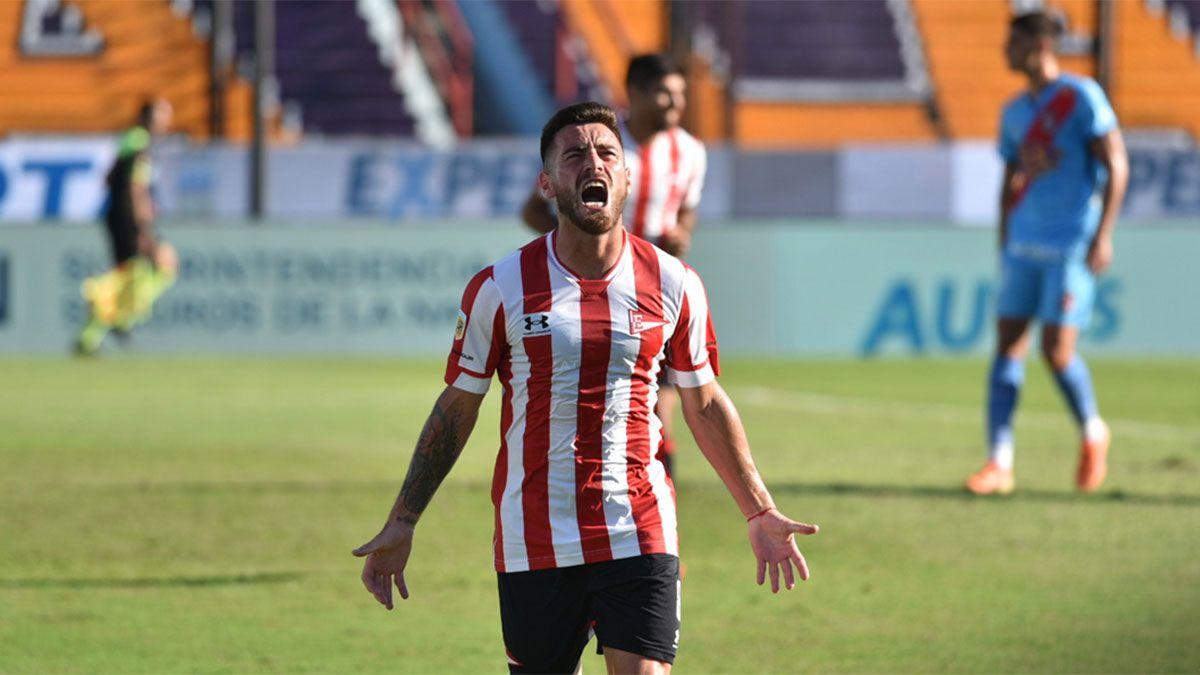 Ángel González marcó en la aplastante goleada de Estudiantes
