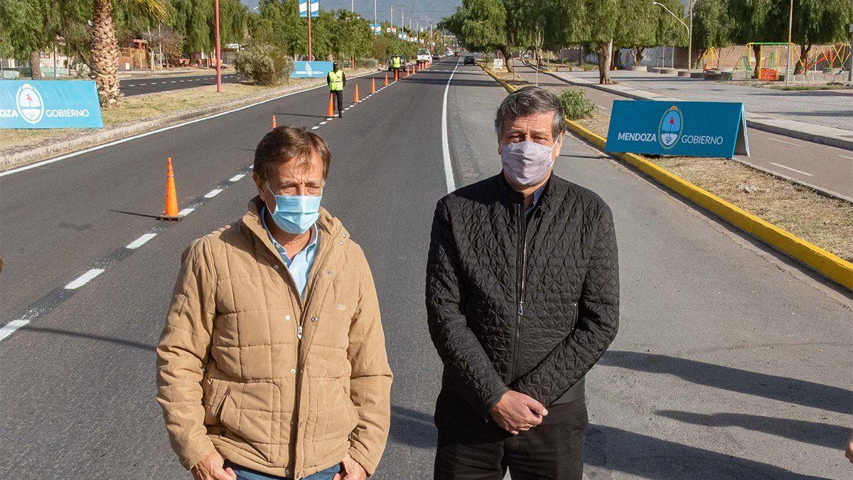 El gobernador Rodolfo Suarez junto al intendente de Las Heras