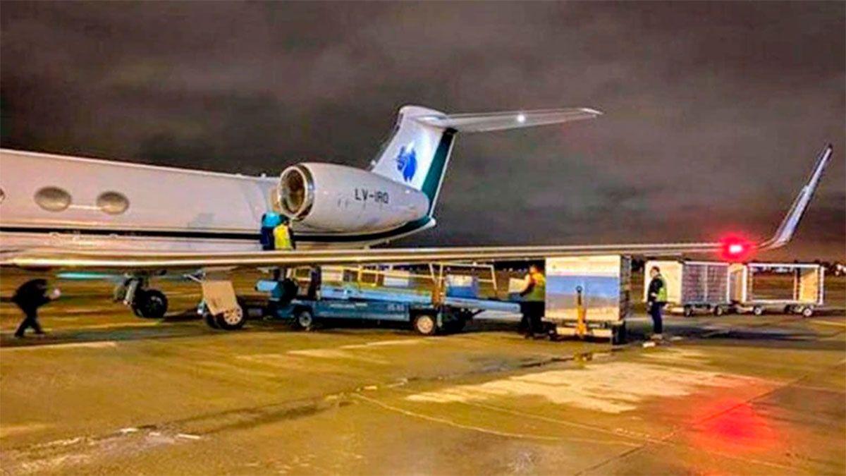La donación de la Fundación Messi está guardada en el aeropuerto de Rosario. La ANMAT aclaró que no presentaron toda la documentación requerida para poder liberarla.