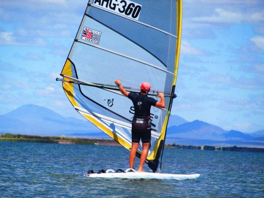 Eduardo Silva presente en el Sudamericano de windsurf