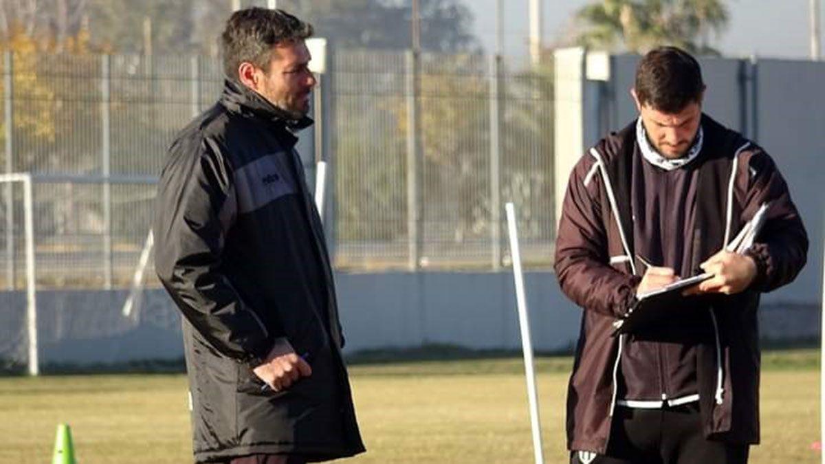 Diego Pozo y Martín Abaurre volvierón a dirigir la práctica en el predio del Aeropuerto.