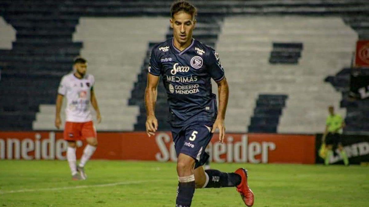 El volante de Independiente Rivadavia Facundo Fabello.