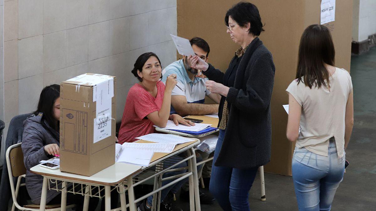 En las próximas elecciones deberá seguirse un protocolo contra el Covid-19.