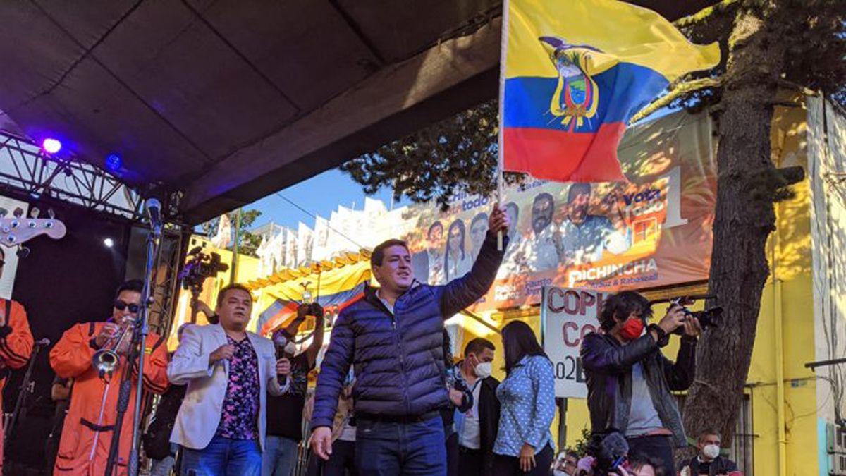 Ecuador: el candidato de Correa se declaró ganador