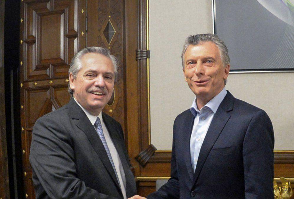 Alberto Fernández disparó que Mauricio Macri no asume los efectos de su conducta y que le recomendó dejar trabajar a las 19 y descansar cada dos semanas.