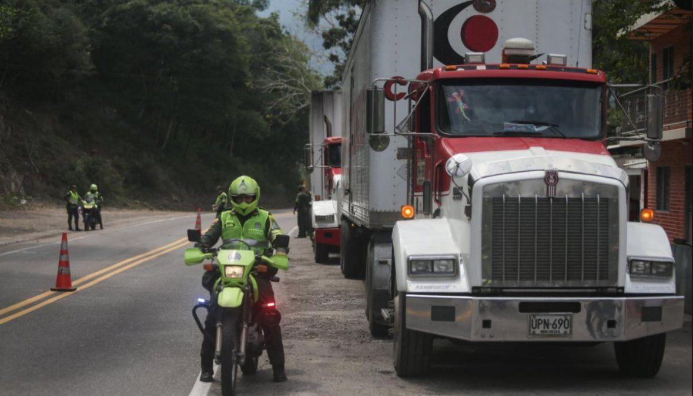 Guaidó anunció que el primer camión con ayuda humanitaria procedente de Brasil ingresó a Venezuela