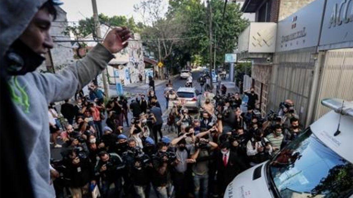 Video: así dejaba la clínica Maradona