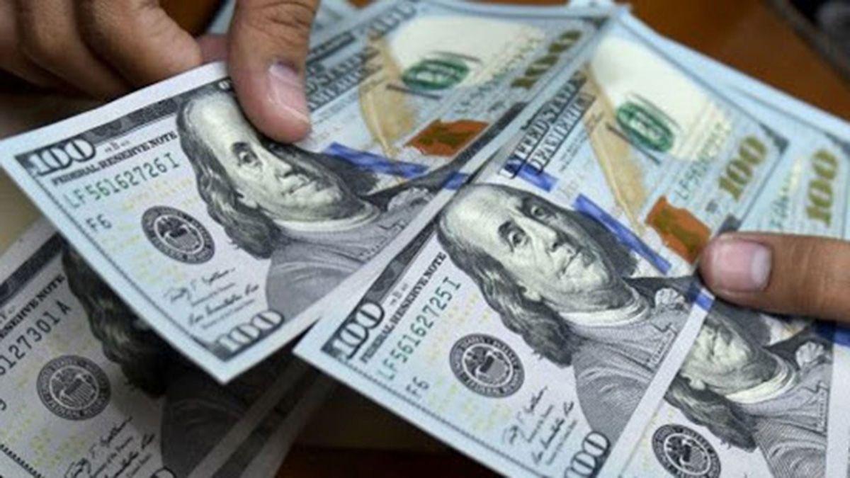 A cuánto cotizó el dólar en el inicio de la semana