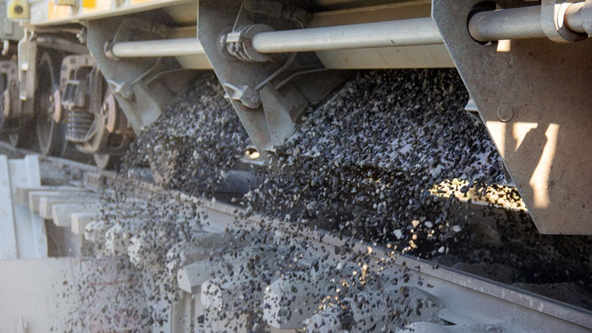El transporte de carga de coque desde Mendoza tuvo como destino la refinería de YPF de La Plata.