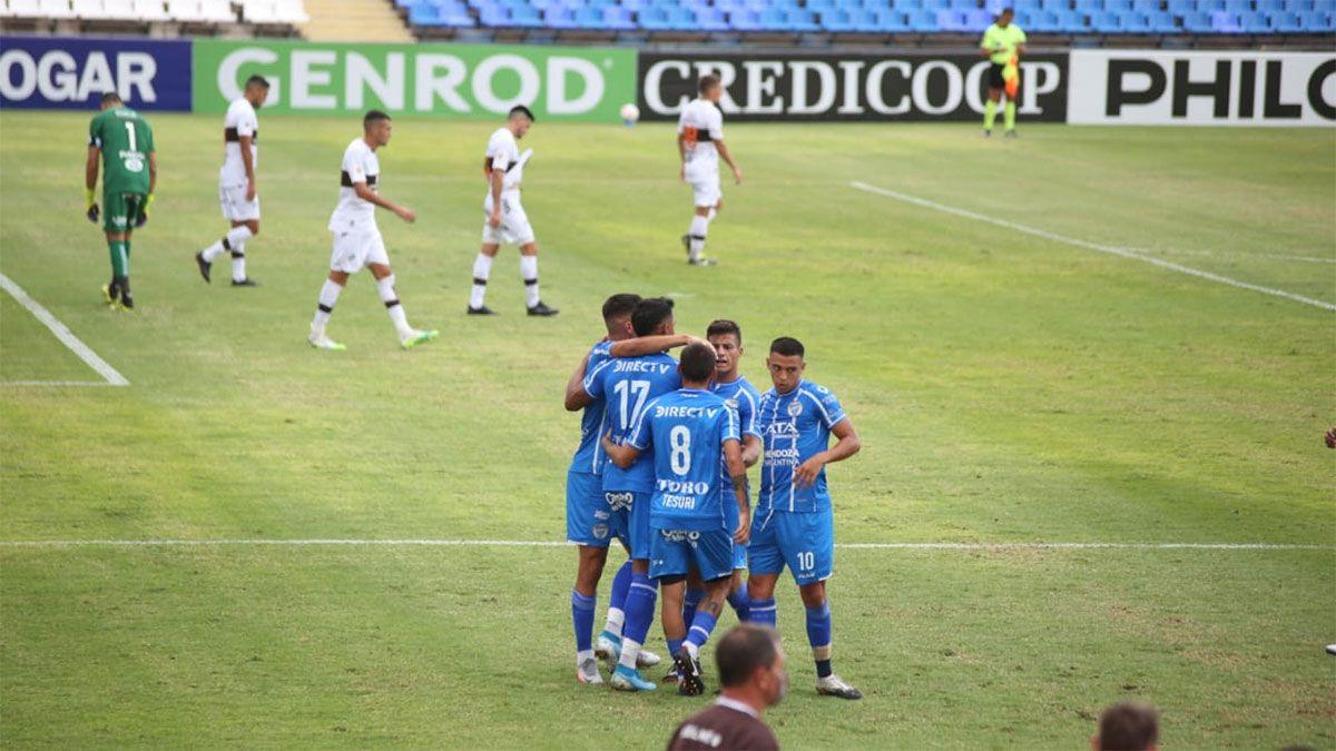 Godoy Cruz se lo dio vuelta a Platense y ganó 3 a 1