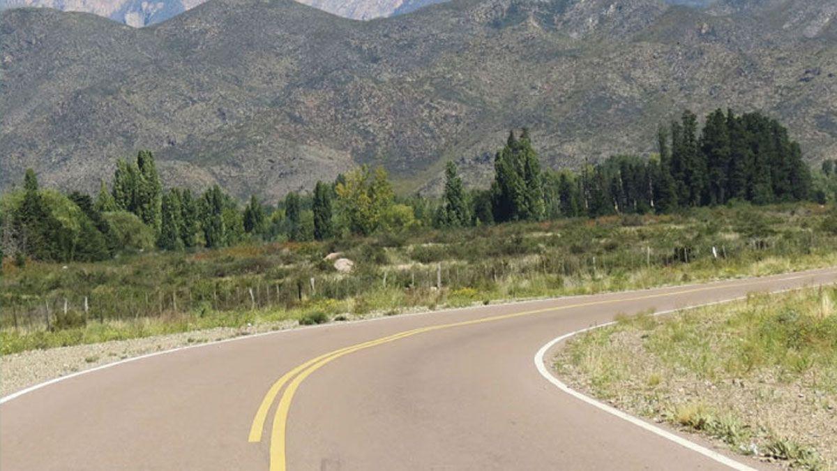 Rumbo a Manzano-Piuquenes, donde está ubicada el Área Nacional Protegida a la que una empresa quiere explotar turísticamente.