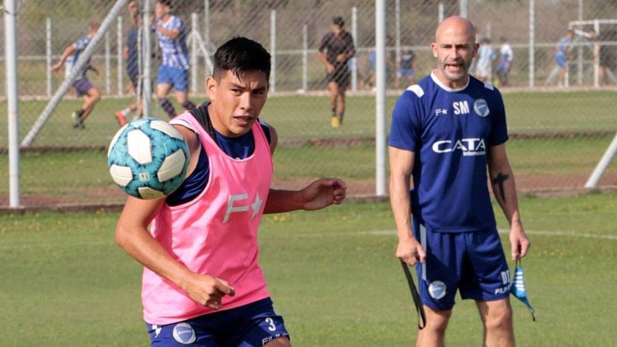 Godoy Cruz viajó a Córdoba sin equipo confirmado