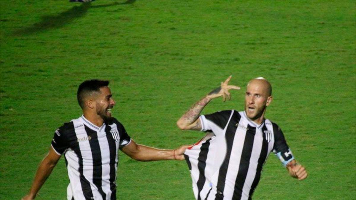 Cristian Llama hizo un especial agradecimiento tras su gol