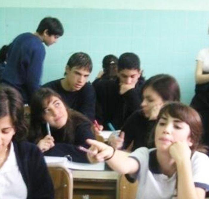 Lali cursó el secundario en el colegio San Vicente de Paul.