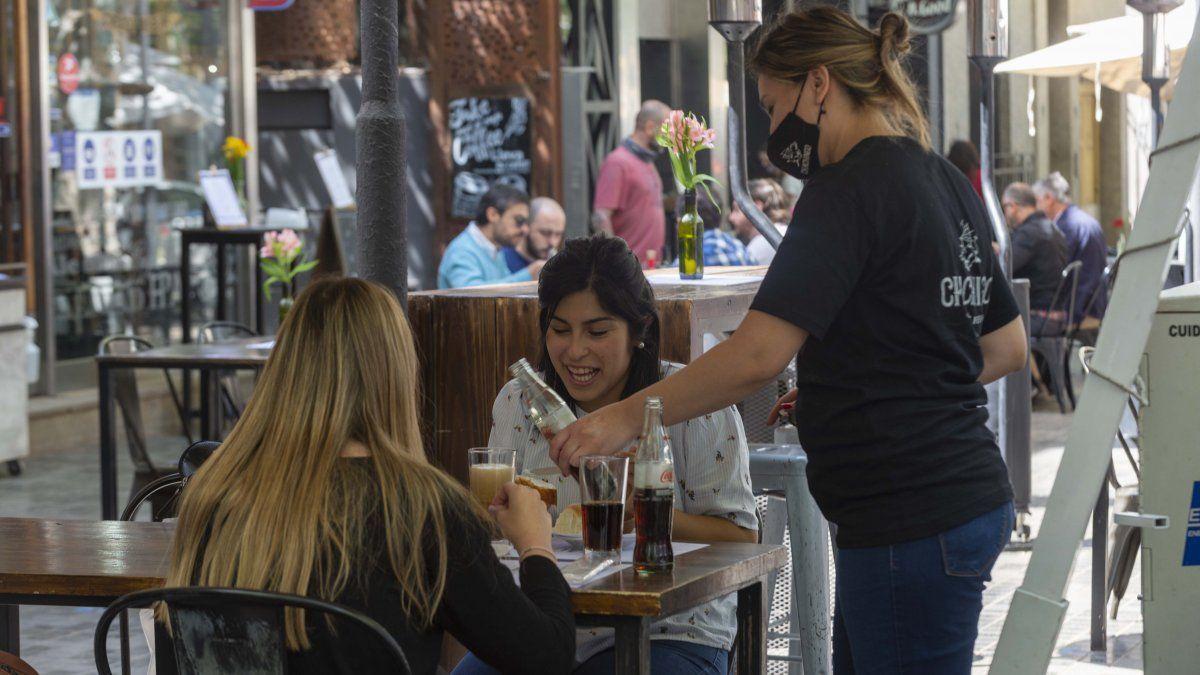 Día de la Madre. Los restaurantes están habilitados pero con limitaciones.
