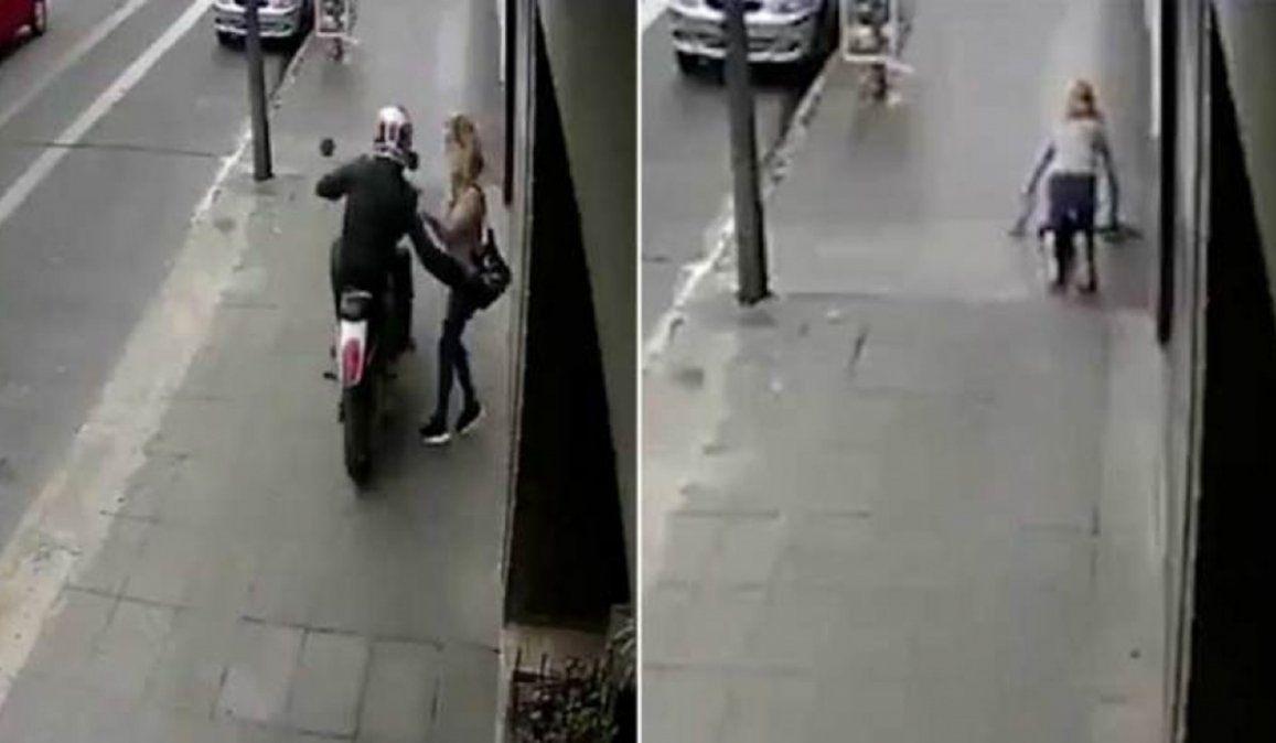 La psicóloga se encontraba en la puerta de su departamento hablando por teléfono cuando fue atacada por un motochorro