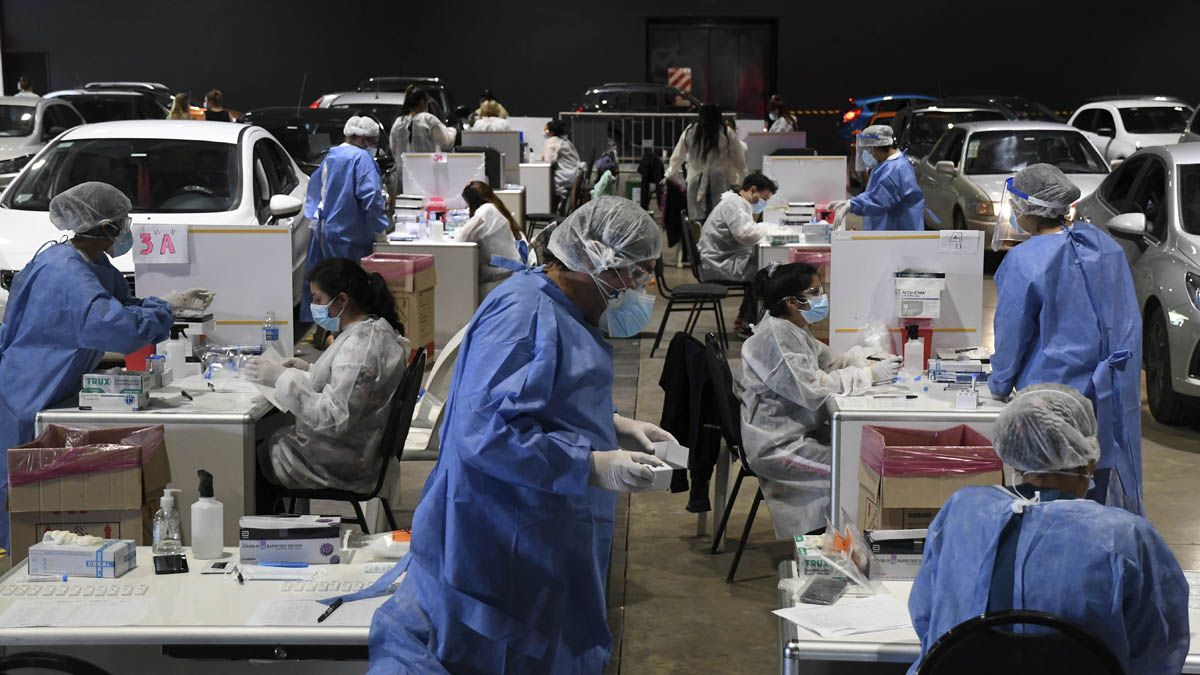 Aún hay más de 145.000 casos activos de coronavirus en Argentina.