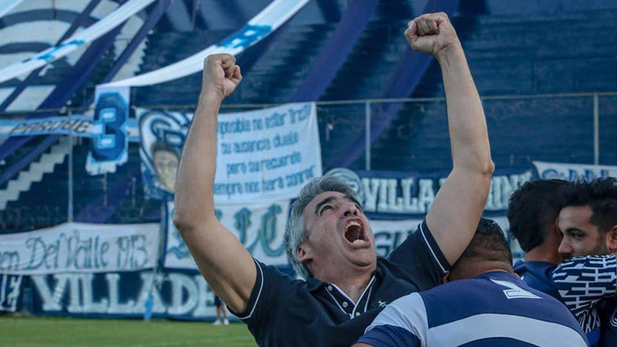 Gabriel Gómez se fue muy feliz por el triunfo ante Tristán Suárez.