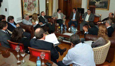 El Gobernador acordó con legisladores tratar la situación de Potasio Río Colorado en el Congreso