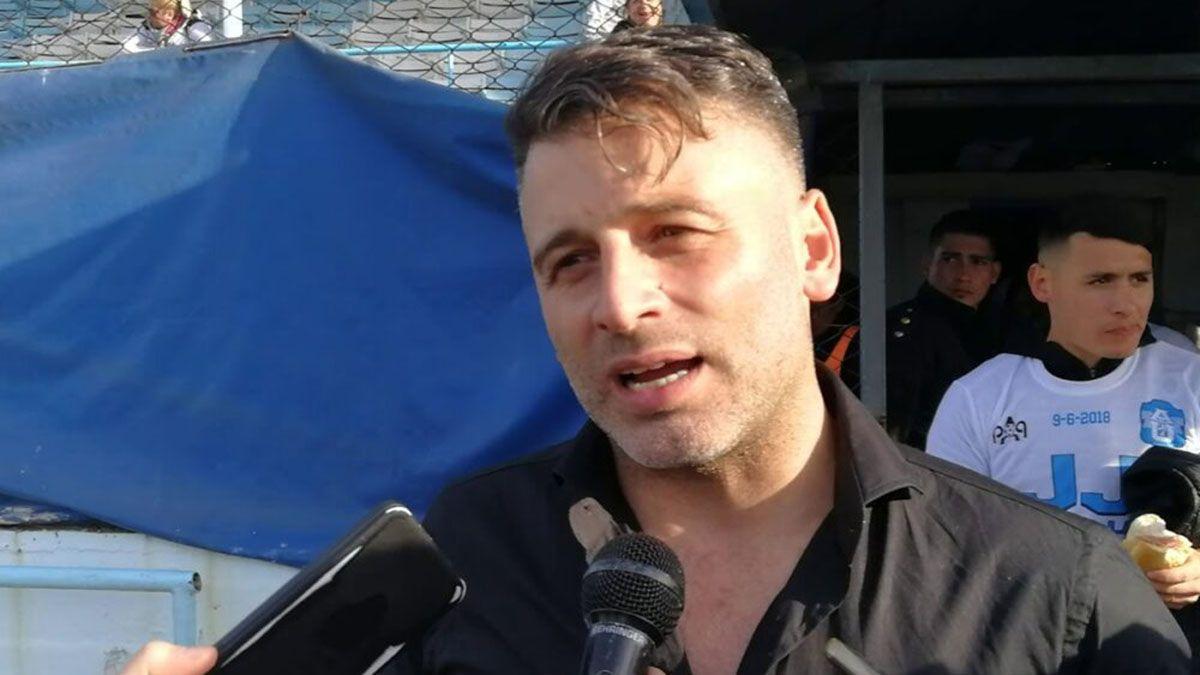 Sagman fue docente hasta el 2010 en el partido de Tres de Febrero.