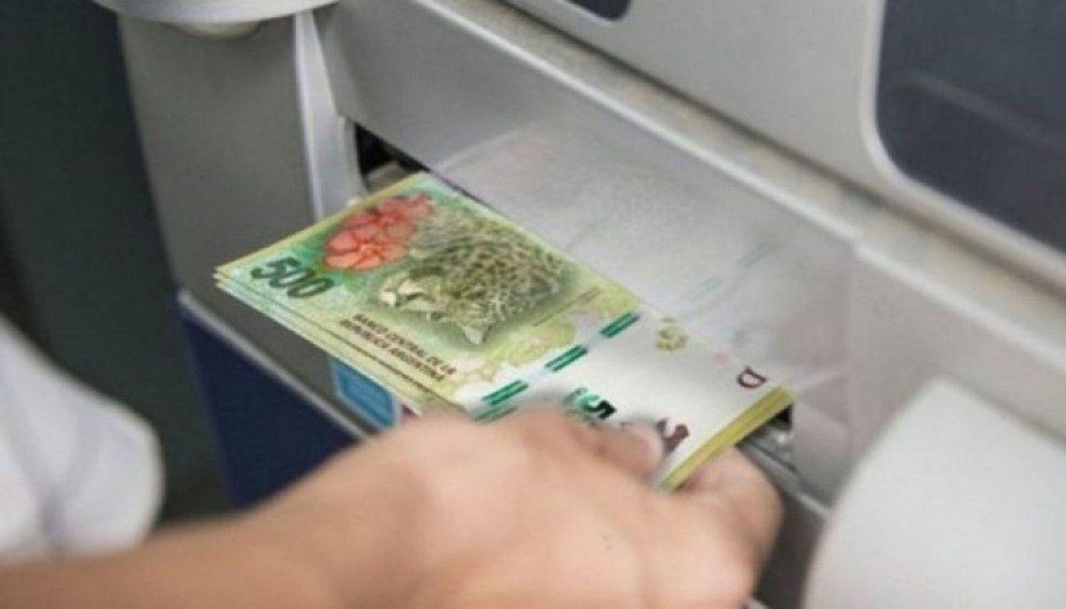 El Gobierno confirmó cuándo cobrarán el sueldo los estatales.