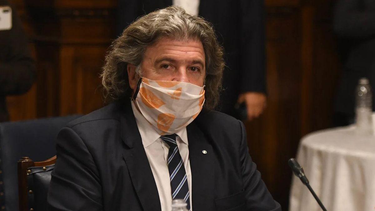 José Luis Ramón votará a favor de la ley denominada de superpoderes. Criticó a Rodolfo Suarez.