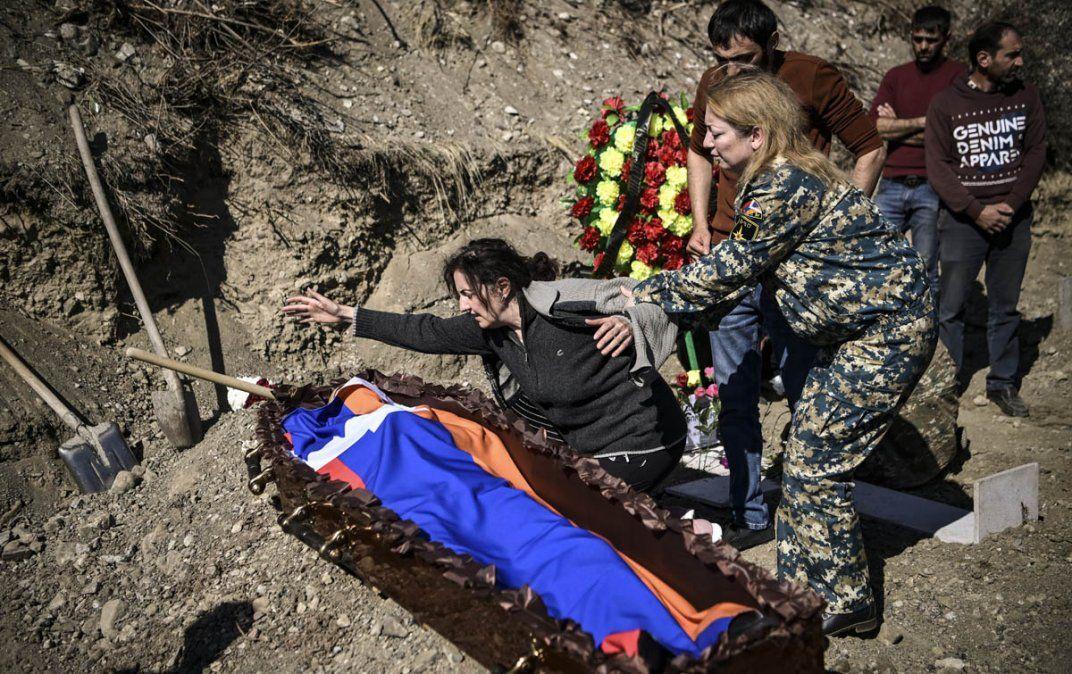Ni Armenia ni Azerbaiyán respetan el alto el fuego