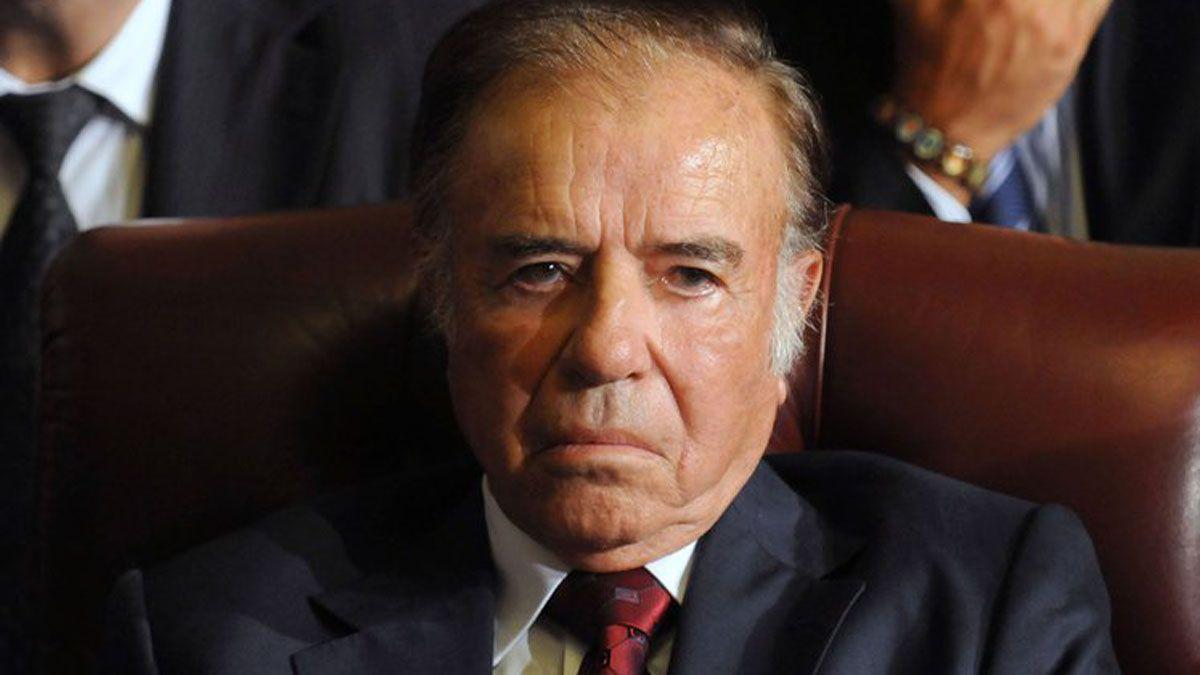 Carlos Menem sigue internado.