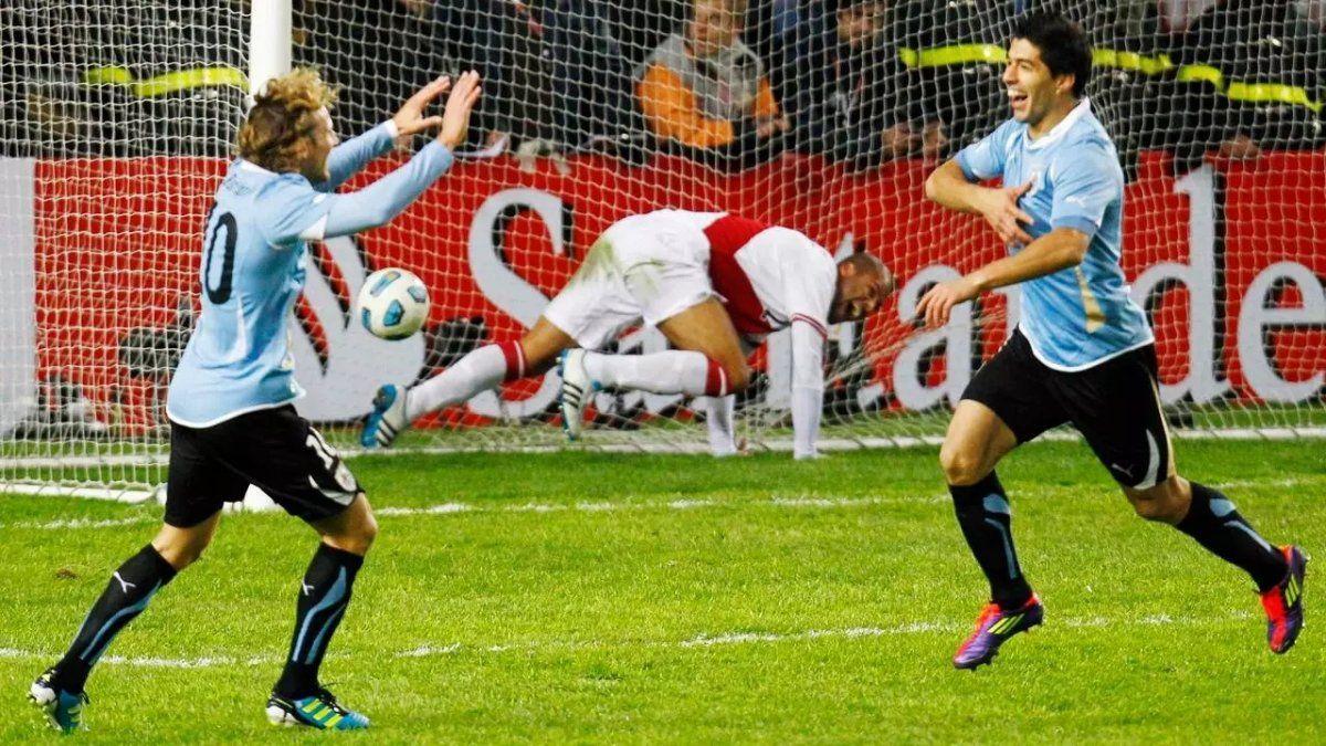 Luis Suárez y Diego Forlán llevaron a Uruguay a la final.