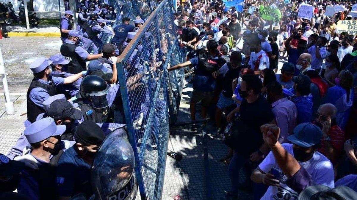 Piden que todos los legisladores nacionales por Mendoza se expresen en contra de los abusos que ocurren en Formosa.
