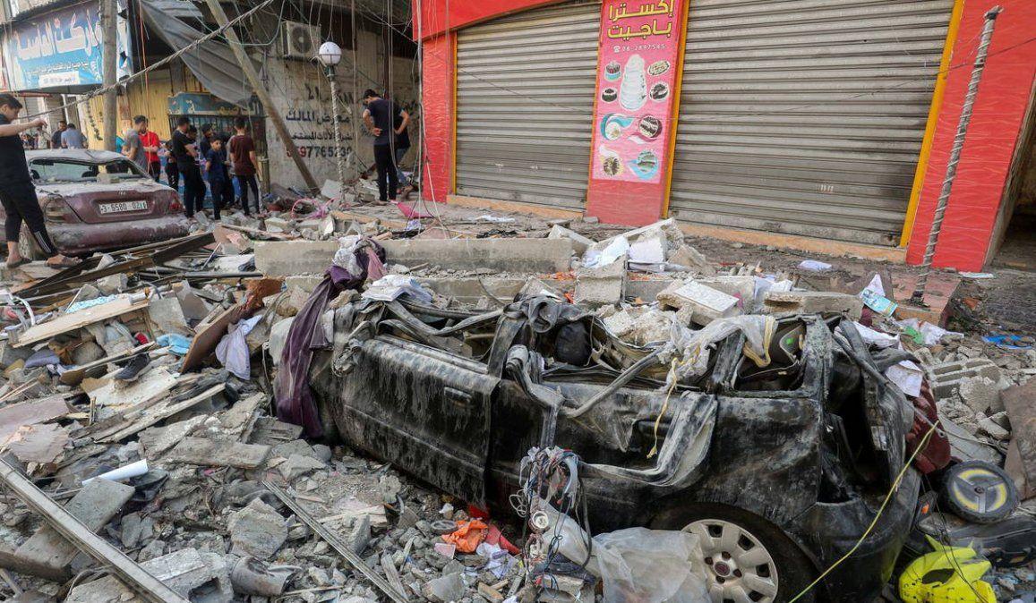 Los continuos bombardeos del ejército israelí siguen provocando daños y muerte en la Franja de Gaza